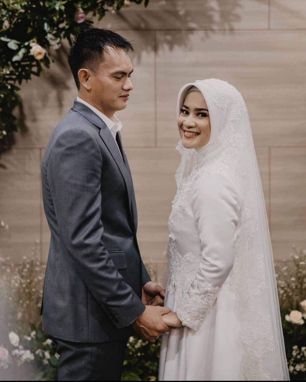 Momen pernikahan Ikke Nurjanah dan Karlie Fu Instagram© 2021 brilio.net
