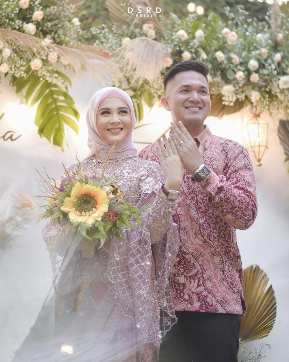 Kesha Adhi pacaran hingga nikah © Instagram