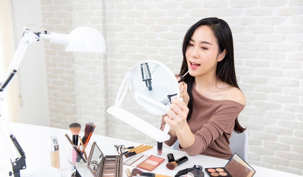 Cuma modal smartphone, ini 5 cara maksimalkan konten video beauty vlog berbagai sumber