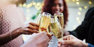 3 Cara bijak mengonsumsi minuman beralkohol, jangan berlebihan loh