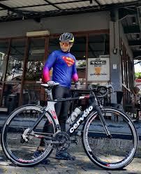 jersey sepeda unik Berbagai sumber