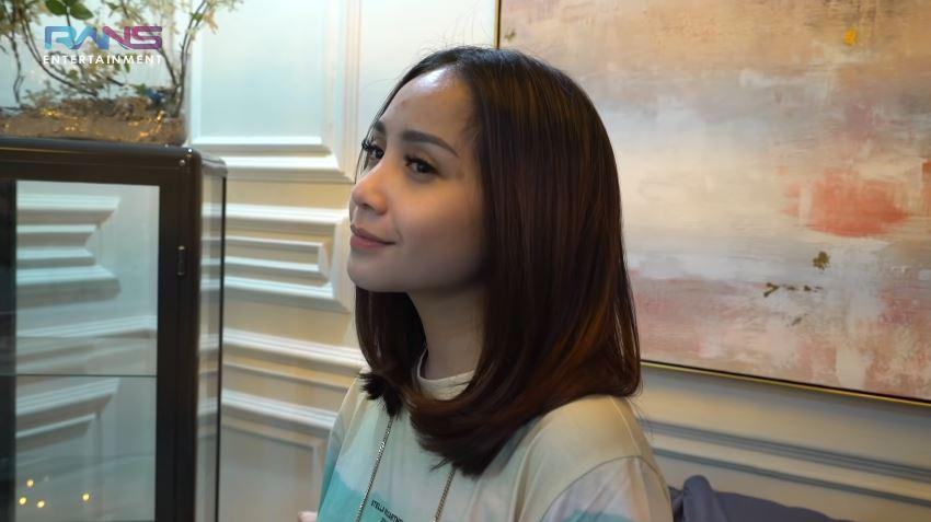 Nagita Slavina ubah gaya rambut © Instagram & YouTube