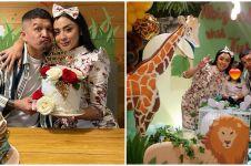 10 Momen anniversary Selvi Kitty & suami, dirayakan bareng ultah anak