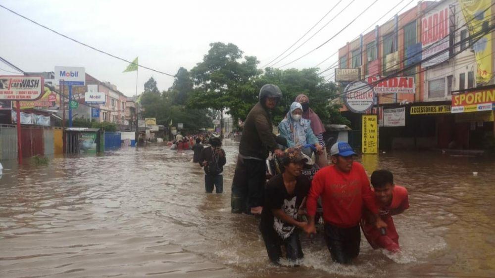 Banjir Jakarta 2021 © berbagai sumber