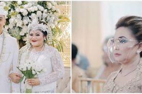 5 Pesona Nia Daniaty di nikahan sang putri, gayanya curi perhatian