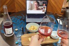 Tak perlu keluar rumah, kamu bisa nongkrong seru meski secara virtual