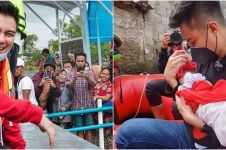 10 Momen Baim Wong evakuasi korban banjir Jakarta, aksinya heroik