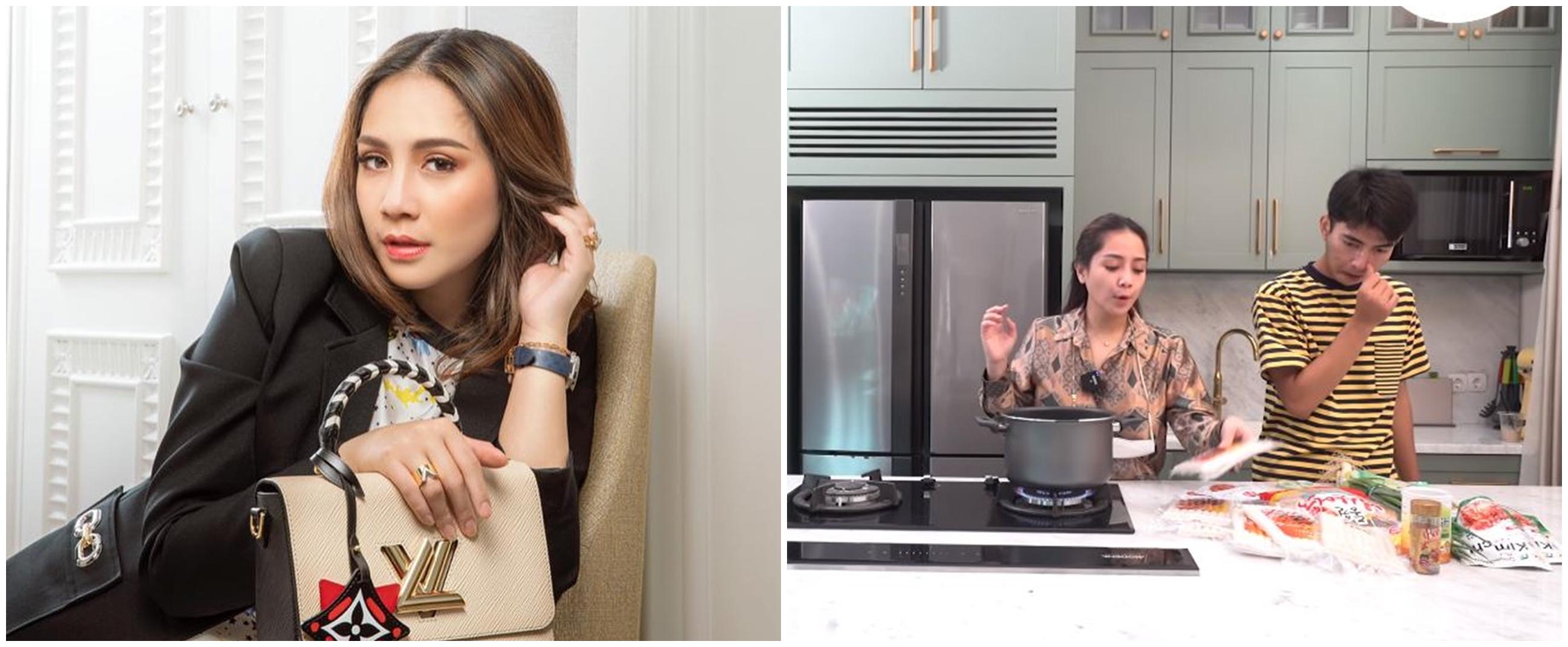 7 Potret 'lemari rahasia' dapur Nagita Slavina, sering dikira kulkas