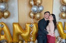 8 Momen sederhana Abel Cantika & Ray Rafi rayakan anniversary pertama