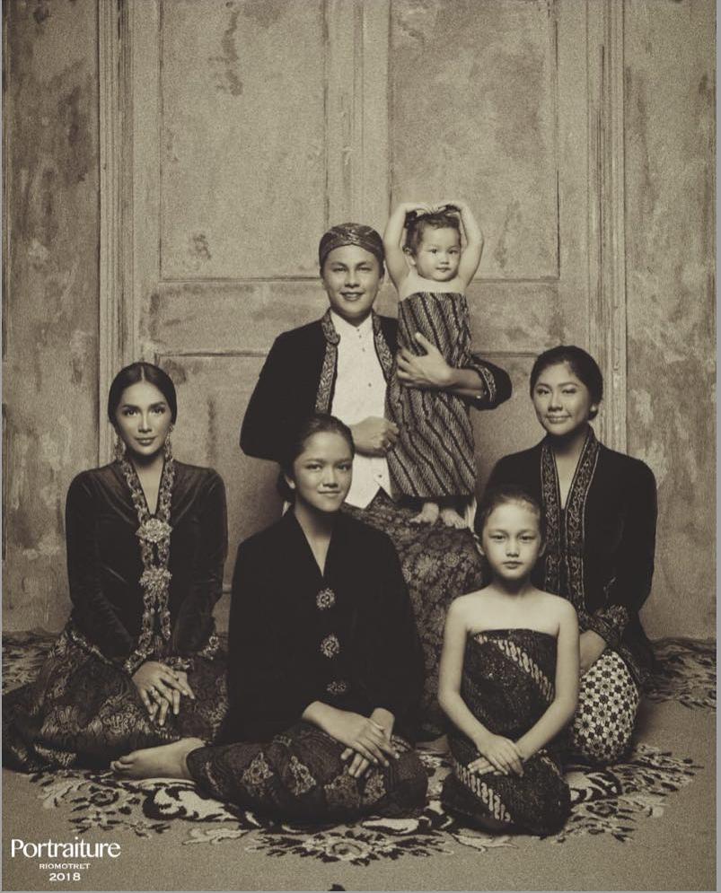 Pemotretan Ussy-Andhika konsep Jawa © Instagram