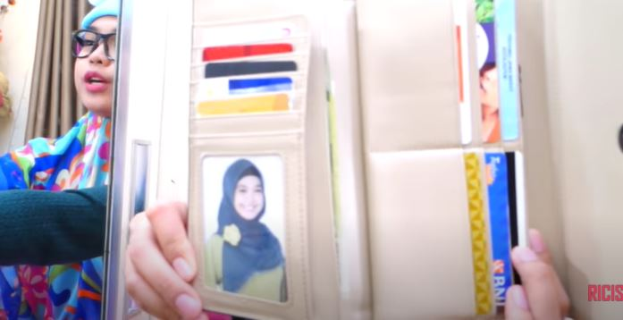foto di dompet seleb © 2021 brilio.net