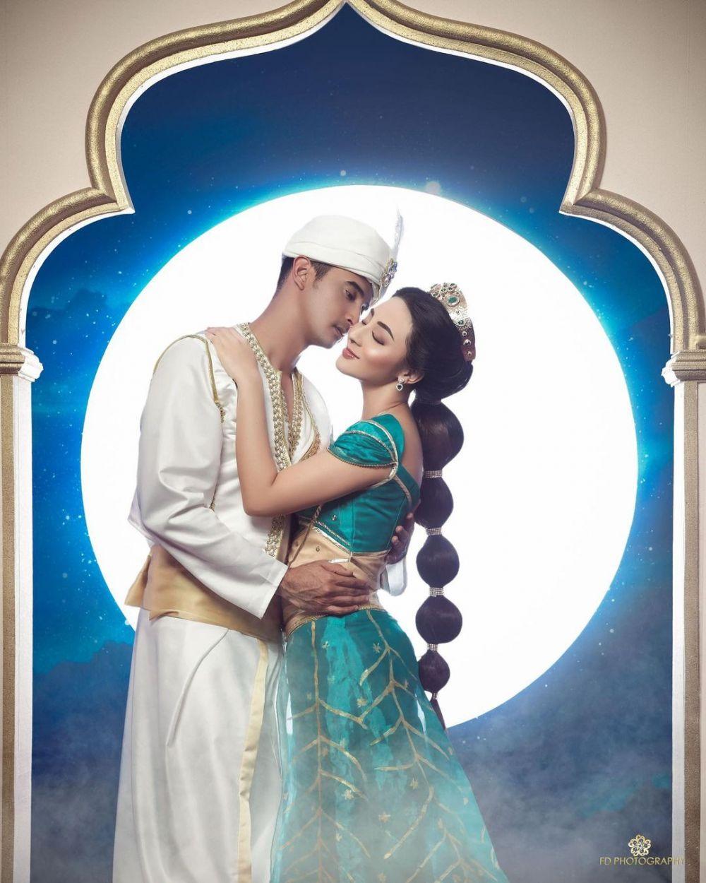 Ali Syakieb dan Margin Wieheerm pemotretan ala Aladdin © Instagram