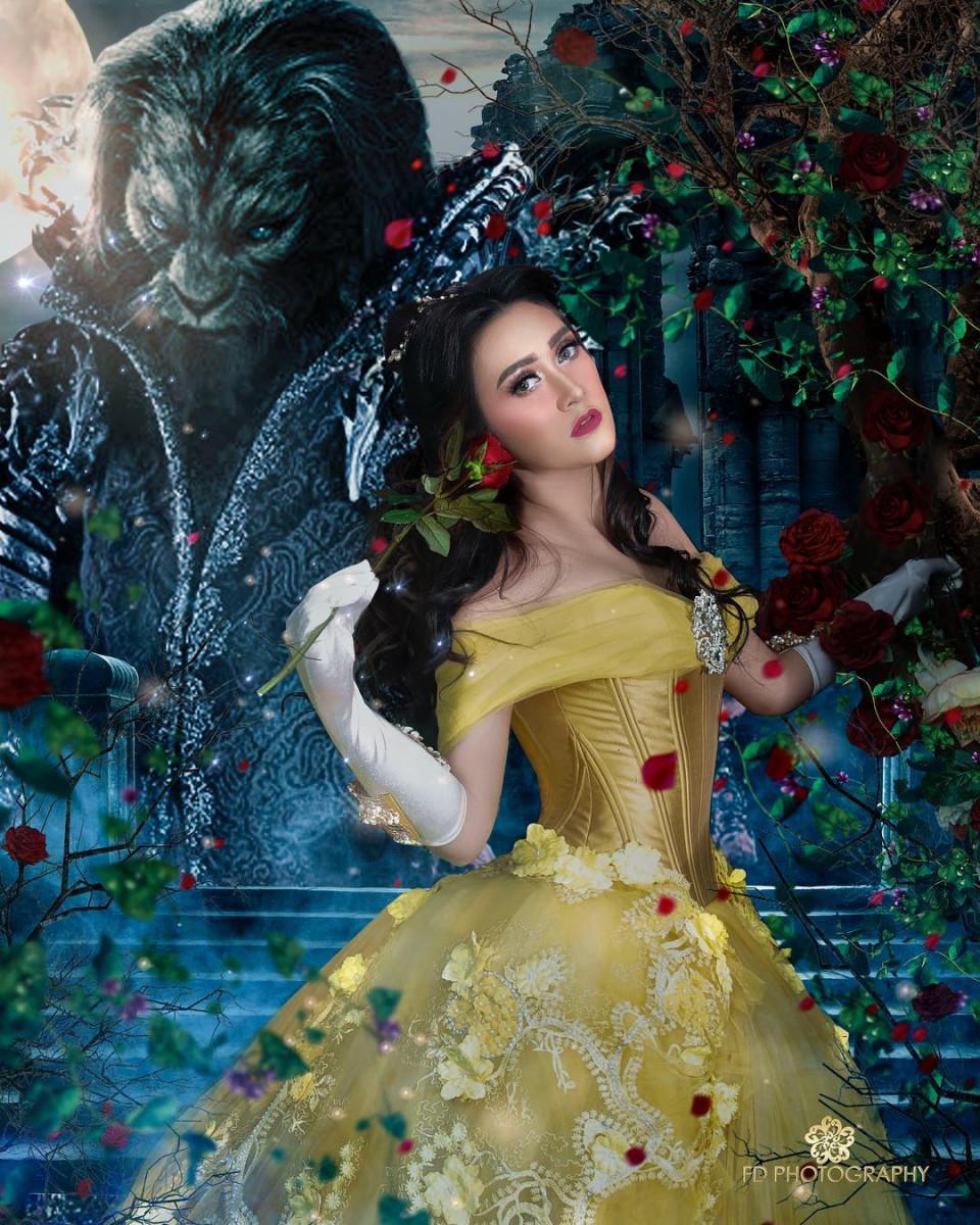 seleb dandan ala princess Belle © 2021 brilio.net