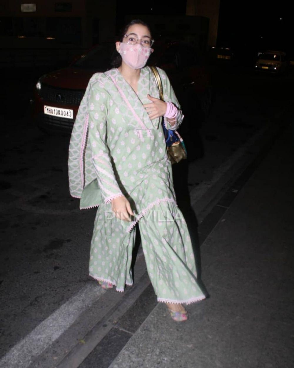 airport fashion seleb india © Berbagai Sumber