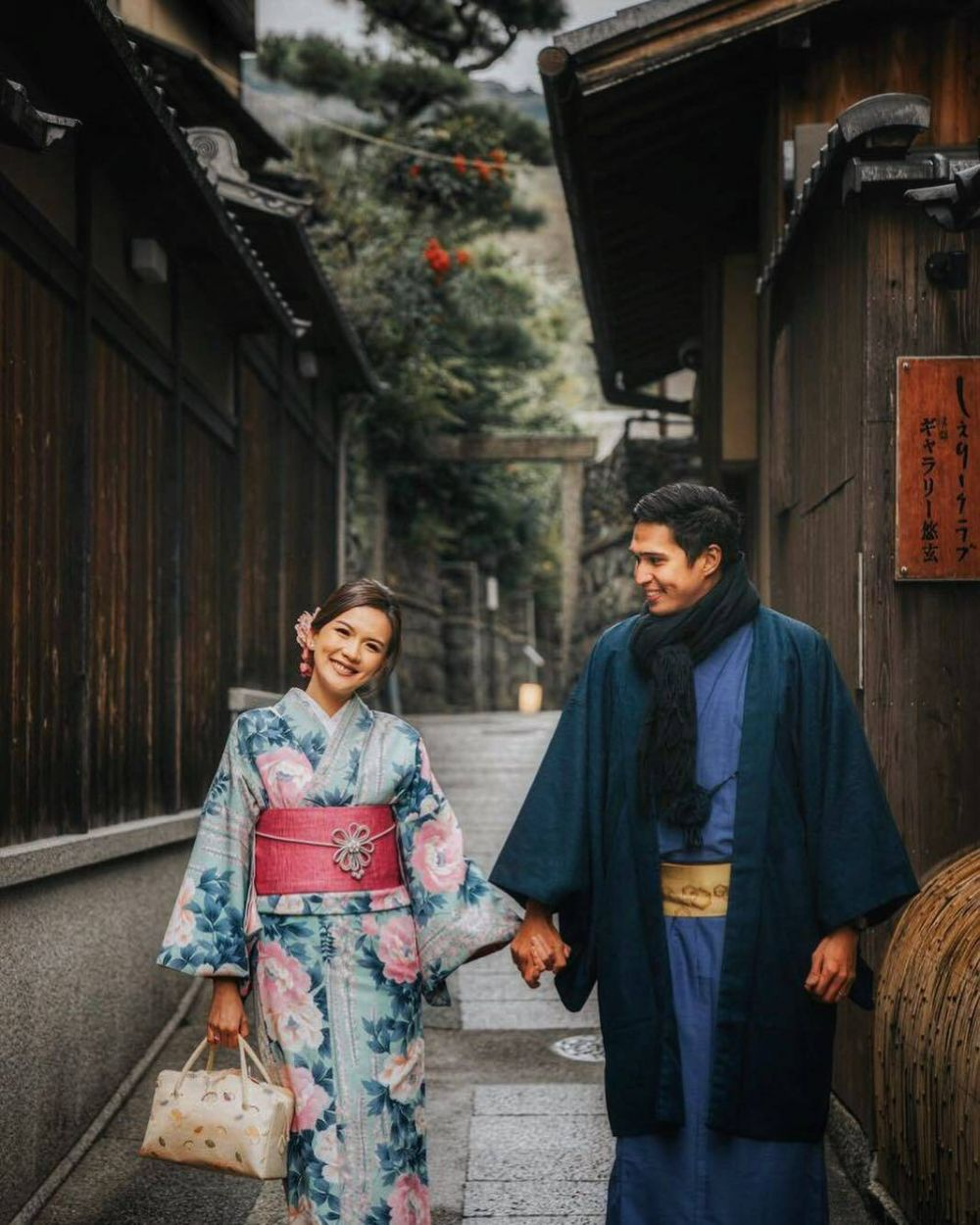 Potret pasangan seleb dalam balutan Kimono Instagram
