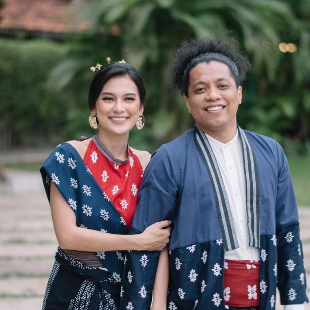 10 Potret mesra Arie Kriting dan Indah Permatasari usai menikah