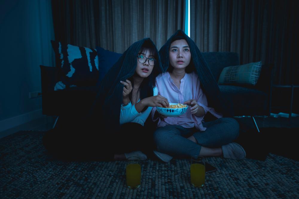 5 Hack nonton film di HP bak serasa di bioskop, tak perlu modal besar berbagai sumber