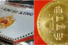 Viral mobil sedan dibalut emas, biaya modifikasi ditaksir Rp 40 miliar