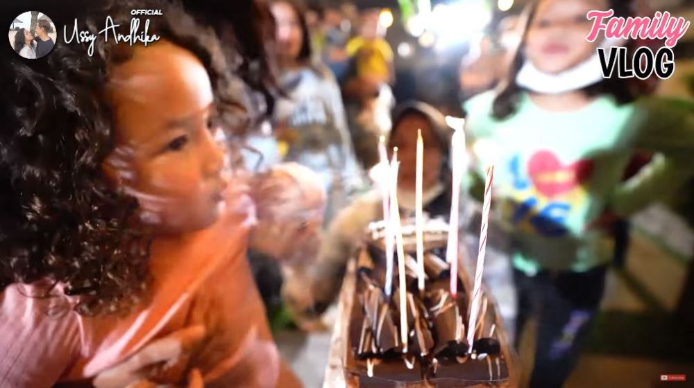 ulang tahun asisten Ussy © YouTube