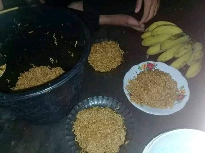 Potret makanan © berbagai sumber