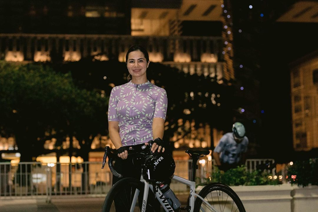 10 Potret Noor Nabila saat bersepeda, pesonanya kian terpancar