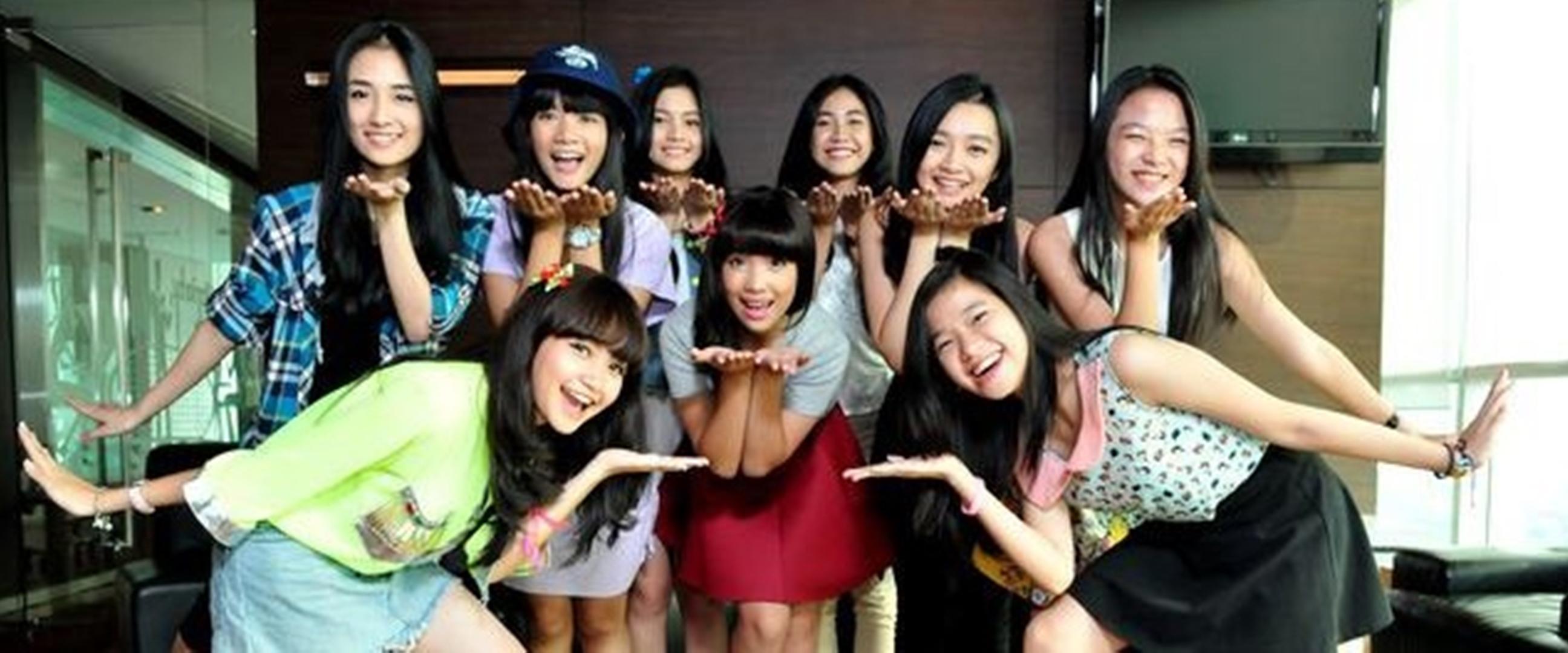 Ingat girlband Teenebelle? Begini potret terbaru 9 personelnya