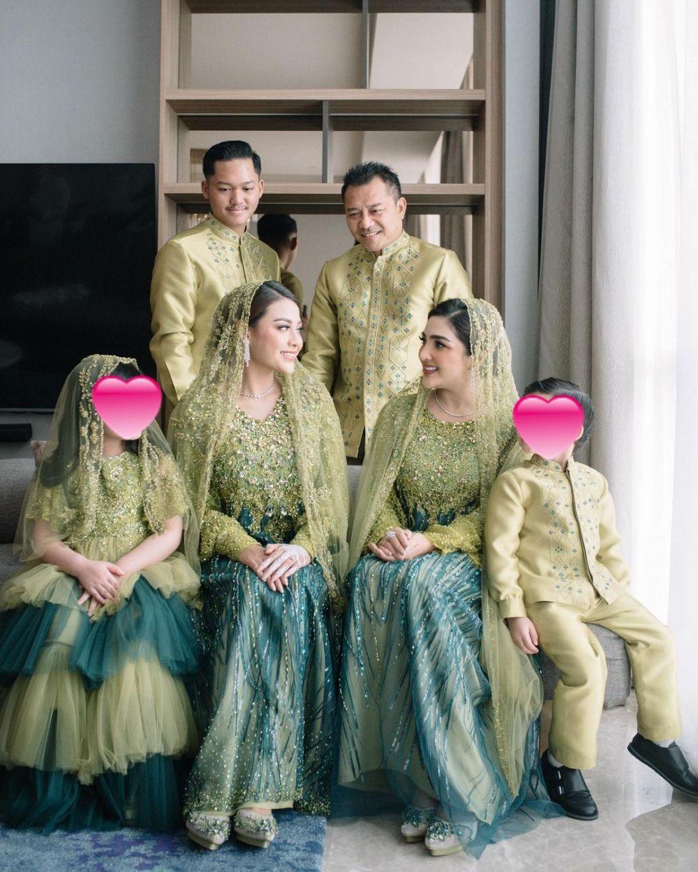 Beda gaya Ashanty jelang pernikahan Aurel © Instagram