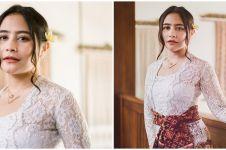 9 Potret Prilly Latuconsina pakai kebaya Bali, pesonanya bikin terpana