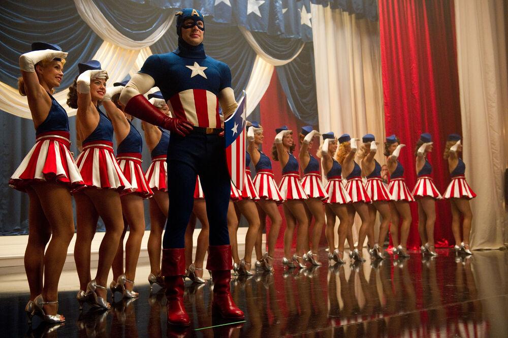 Kostumnya canggih, 5 transformasi Captain America dari masa ke masa berbagai sumber