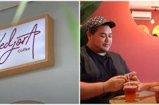 10 Potret kafe milik Ivan Gunawan, suasananya homey banget