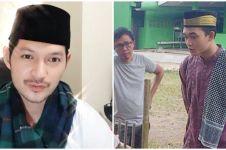 Potret 6 aktor Ikatan Cinta pakai peci, Arya Saloka makin menawan