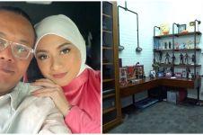10 Potret terbaru kamar Sule usai menikah, simpan foto zaman pacaran