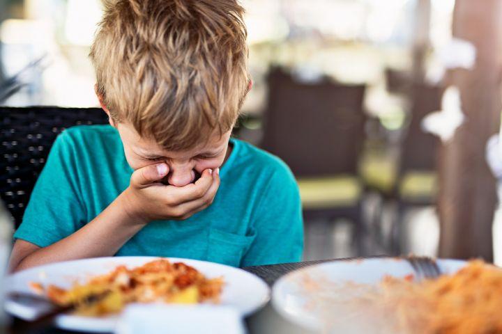 4 Cara mengatasi alergi makanan pada anak, ketahui penyebabnya