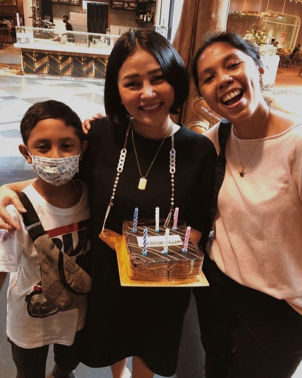 Momen ulang tahun Mutia Ayu ke-26 tahun © 2021 brilio.net