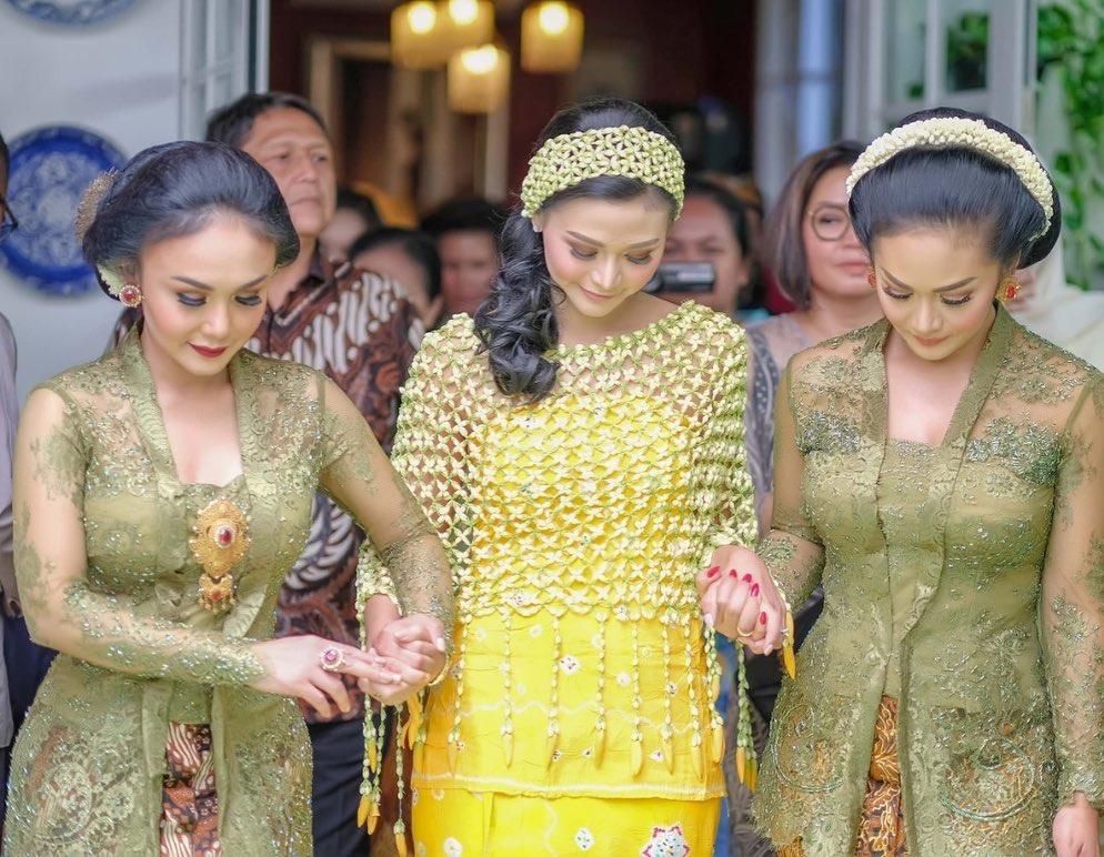 Kebaya Yuni Shara © 2021 brilio.net