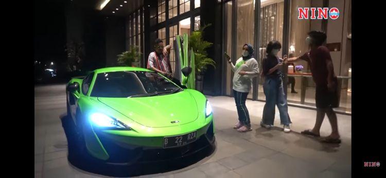 9 Momen ulang tahun Uya Kuya ke-46, dapat hadiah super car