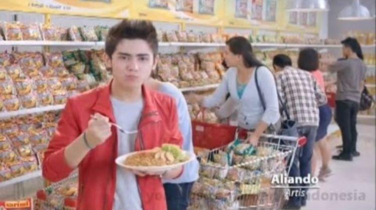 10 Potret lawas Aliando saat bintangi iklan, gayanya hits abis