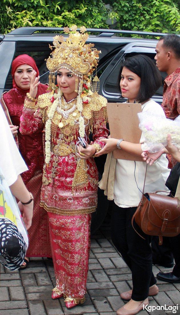 Aktris cantik pakai suntiang © 2021 brilio.net