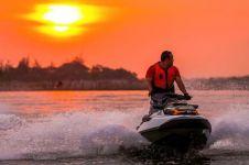 8 Destinasi favorit bermain jetski di Indonesia, ada langganan artis