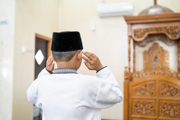 Bacaan doa sholat subuh © freepik.com