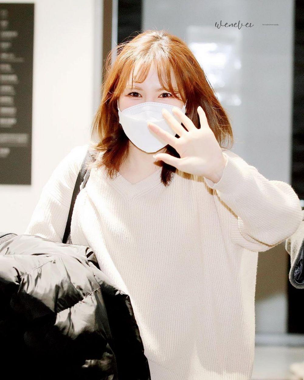10 Beda gaya panggung dan keseharian Wendy Red Velvet berbagai sumber