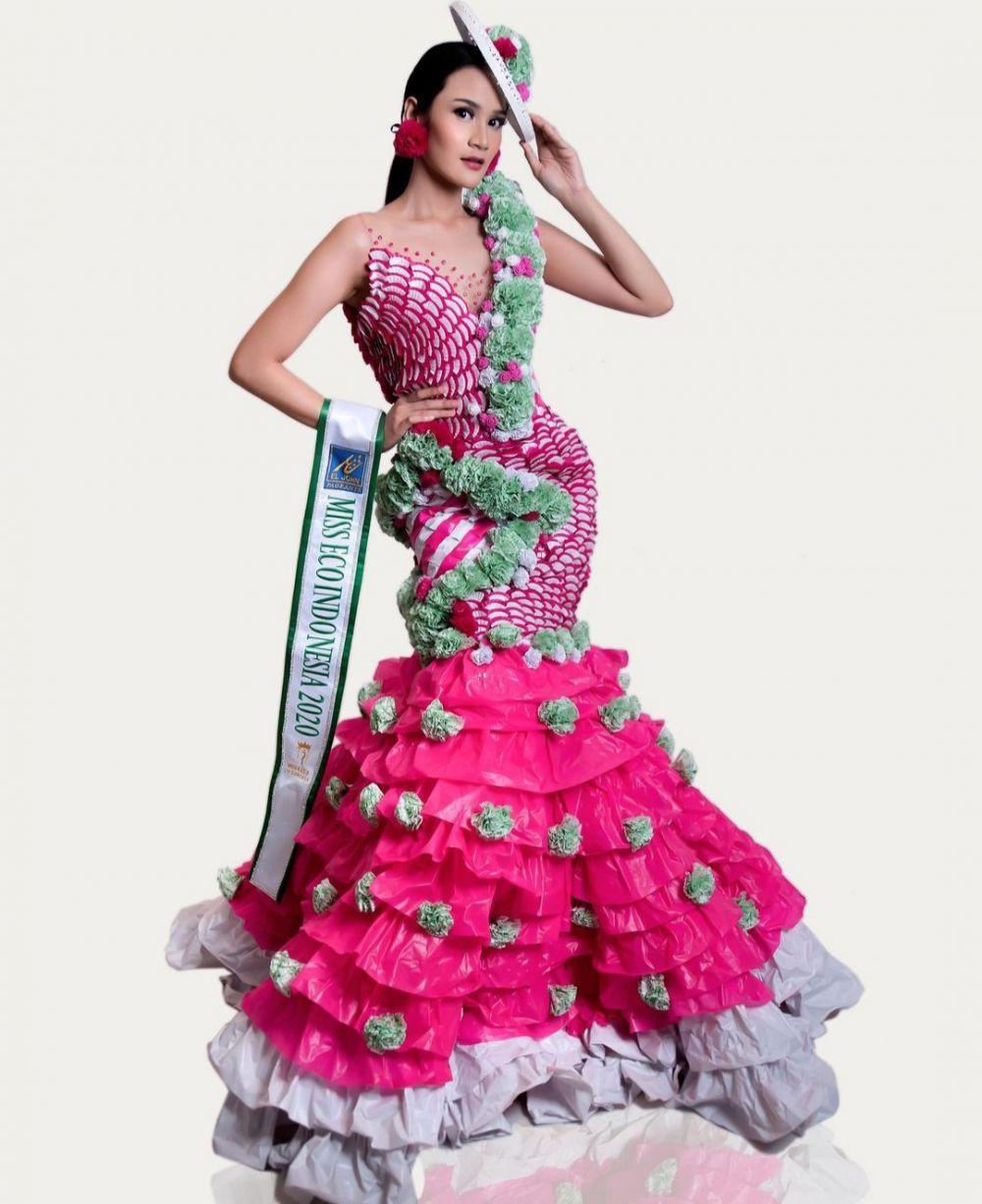 9 Potret Intan Wisni, finalis Miss Eco Internasional yang jadi sorotan © 2021 brilio.net