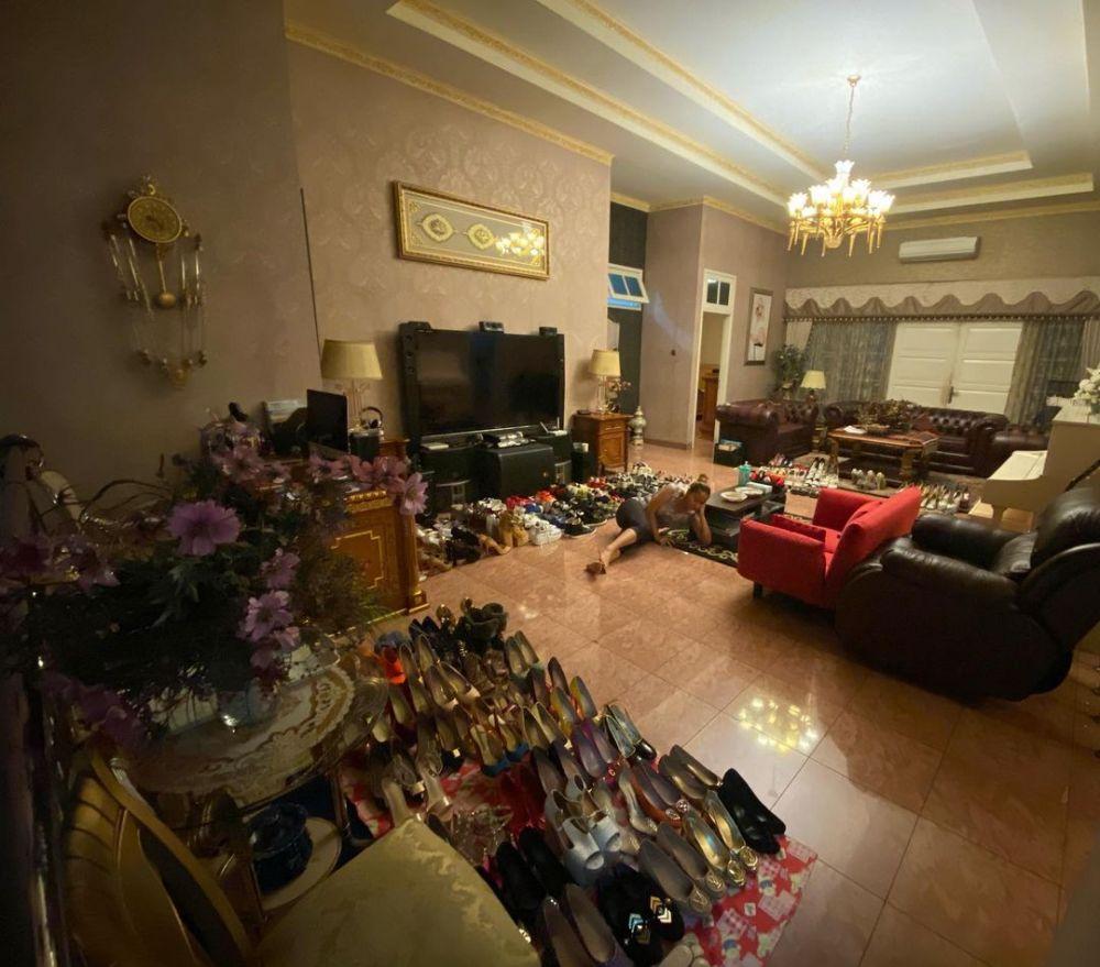 sepatu inul seperti di pasar © Instagram