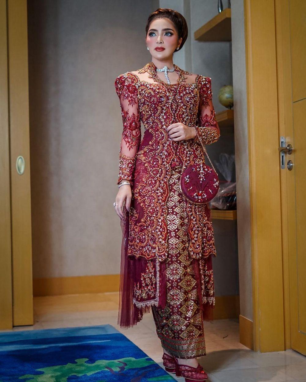 gaya ashanty pakai kebaya di berbagai acara © Instagram