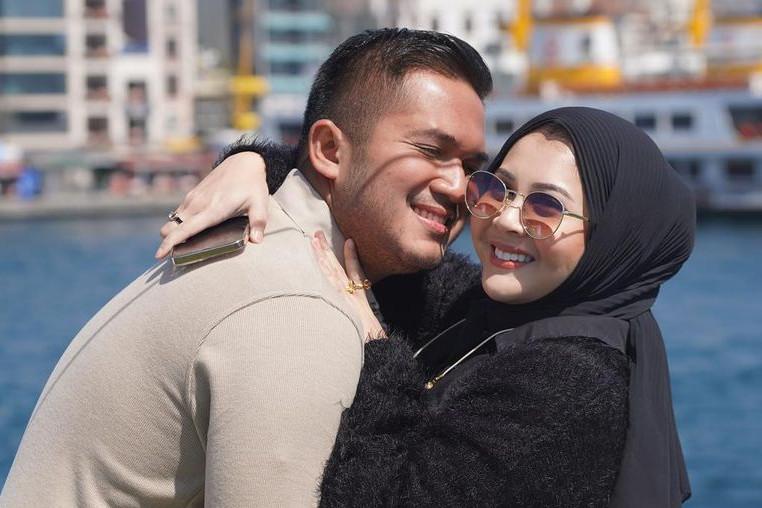 10 Potret mesra Kesha Ratuliu dan suami di Turki, honeymoon kedua