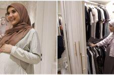 8 Potret walk in closet Zaskia Sungkar, bajunya capai ratusan
