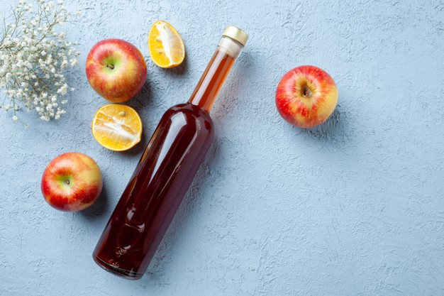 Manfaat cuka apel untuk makanan dan minuman © freepik.com