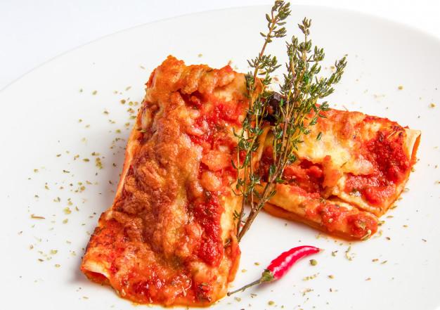 Makanan ini dihidangkan menggunakan tortilla © berbagai sumber