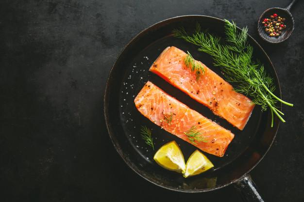 Manfaat ikan salmon © freepik.com
