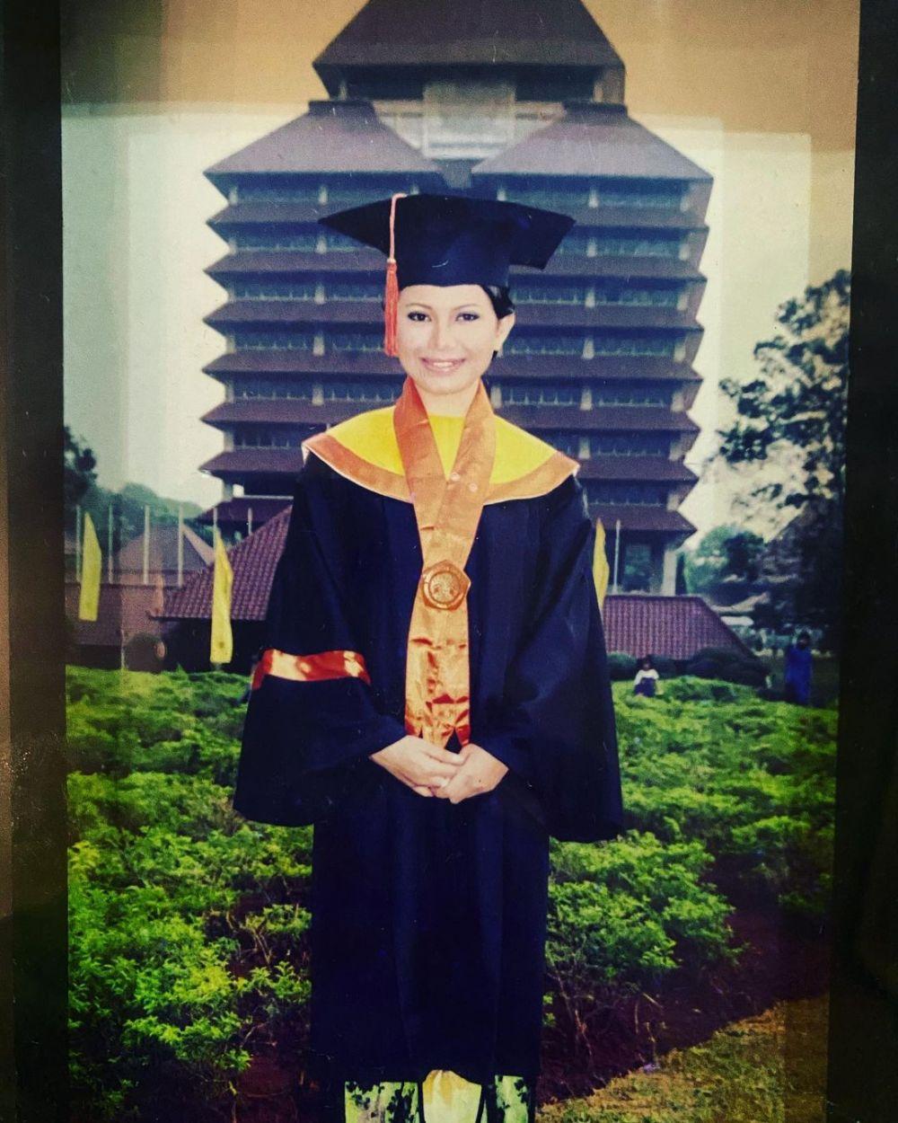 Potret lawas penyanyi saat masih kuliah Instagram